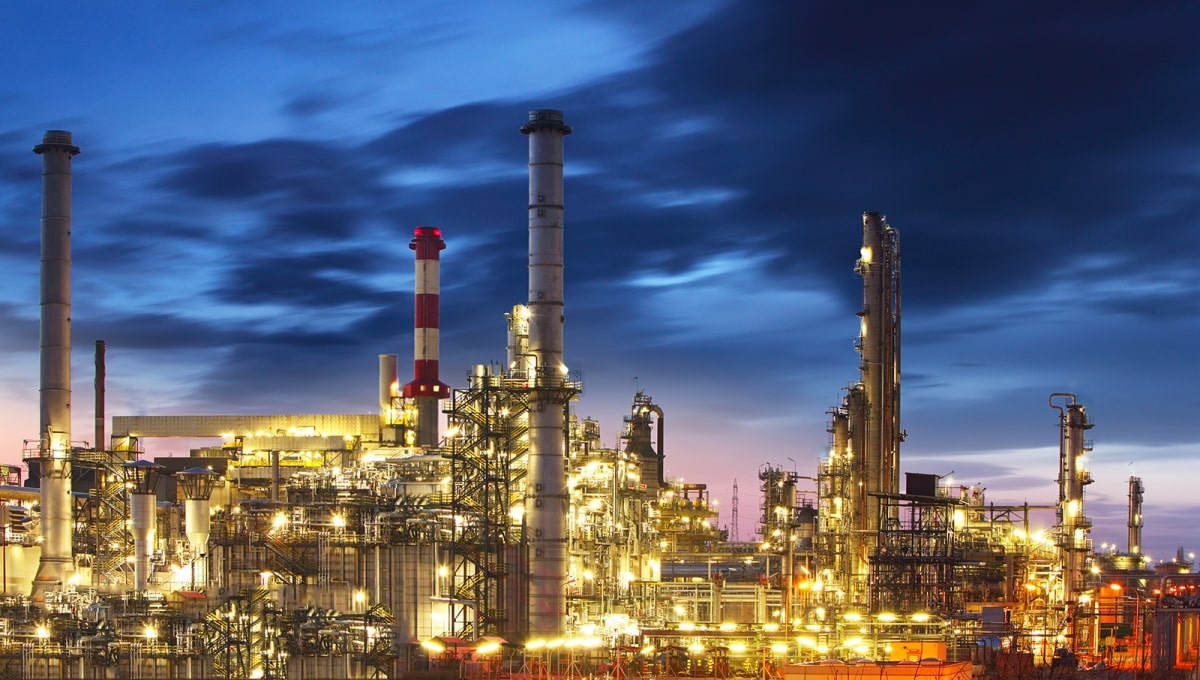 Use of triethylene glycol in the oil and gas industry